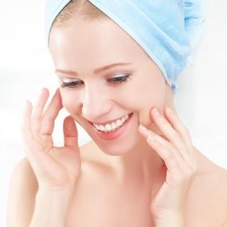 フェイスオイルのつけ方は? 肌の状態によって使い分けて、乾き知らずのしっとり美肌に!